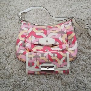 AUTHENTIC Chain Link Print Hobo/Wallet